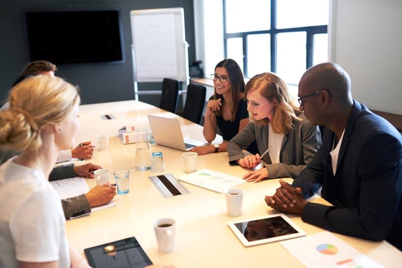 investment banking presentation designer